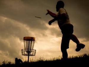 original_roanoke-disc-golf-player-sunset0.png