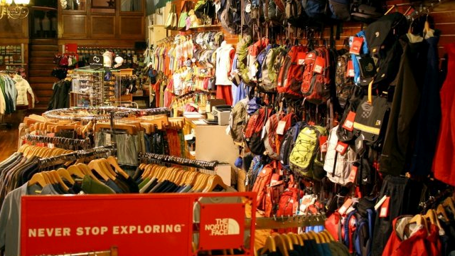 Walkabout Outfitter – Valley View Mall