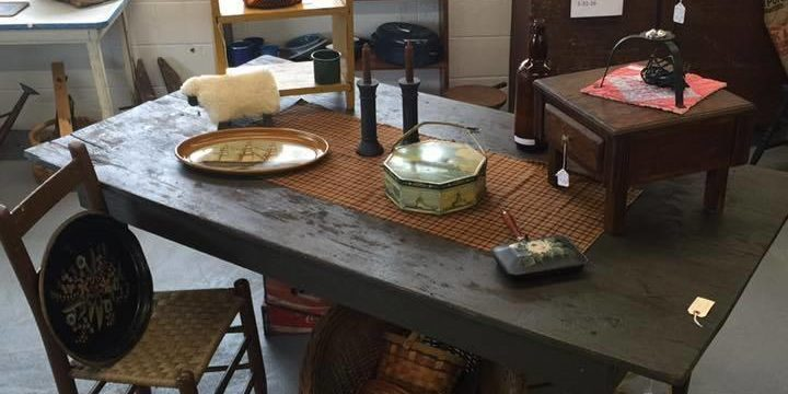 Willow Tree Antiques & Primitives